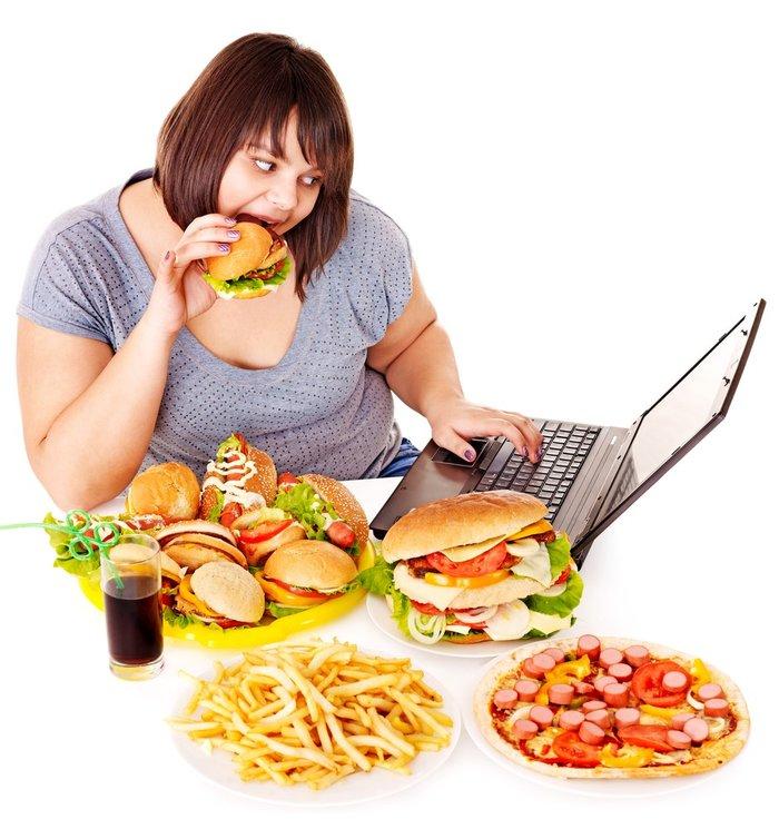 Thói quen ăn uống, khẩu phần ăn nhiều đường, chất béo làm cân nặng tăng nhanh