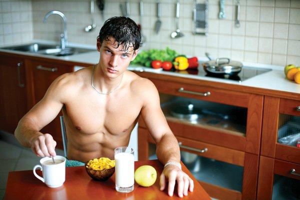 Uống sữa tăng cân để cải thiện cơ bắp